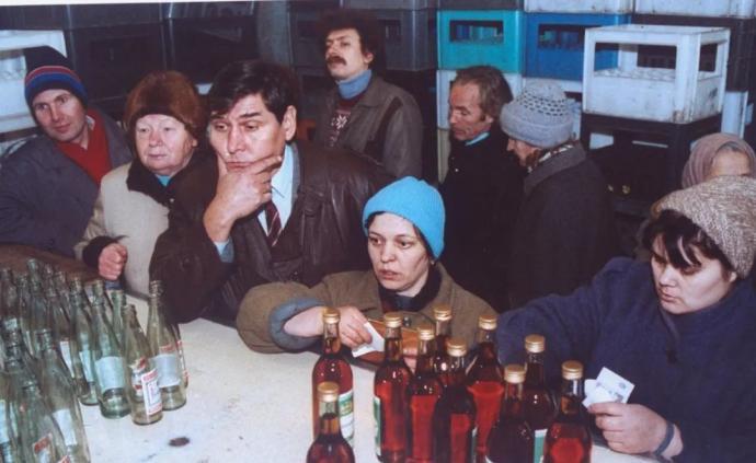 苏联解体后,伏特加是如何取代卢布混成硬通货的?