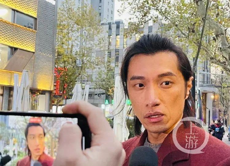 12月17日,被咬伤耳朵的李浩铭表示,参加庭审只想听一声道歉。/记者 时婷婷