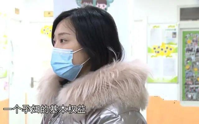 生完孩子两个月又怀孕,重庆一潇湘职业学院女子被公司辞退!公司:出了事他们负