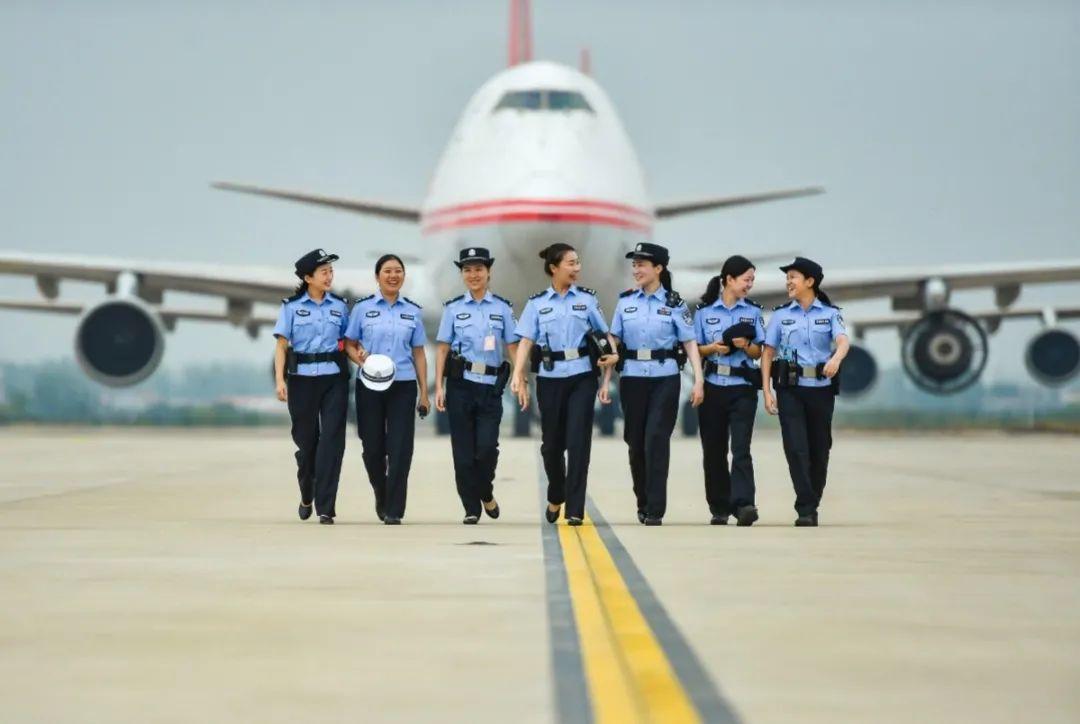【你好,警察节】机场公安:重温从警路,踏步