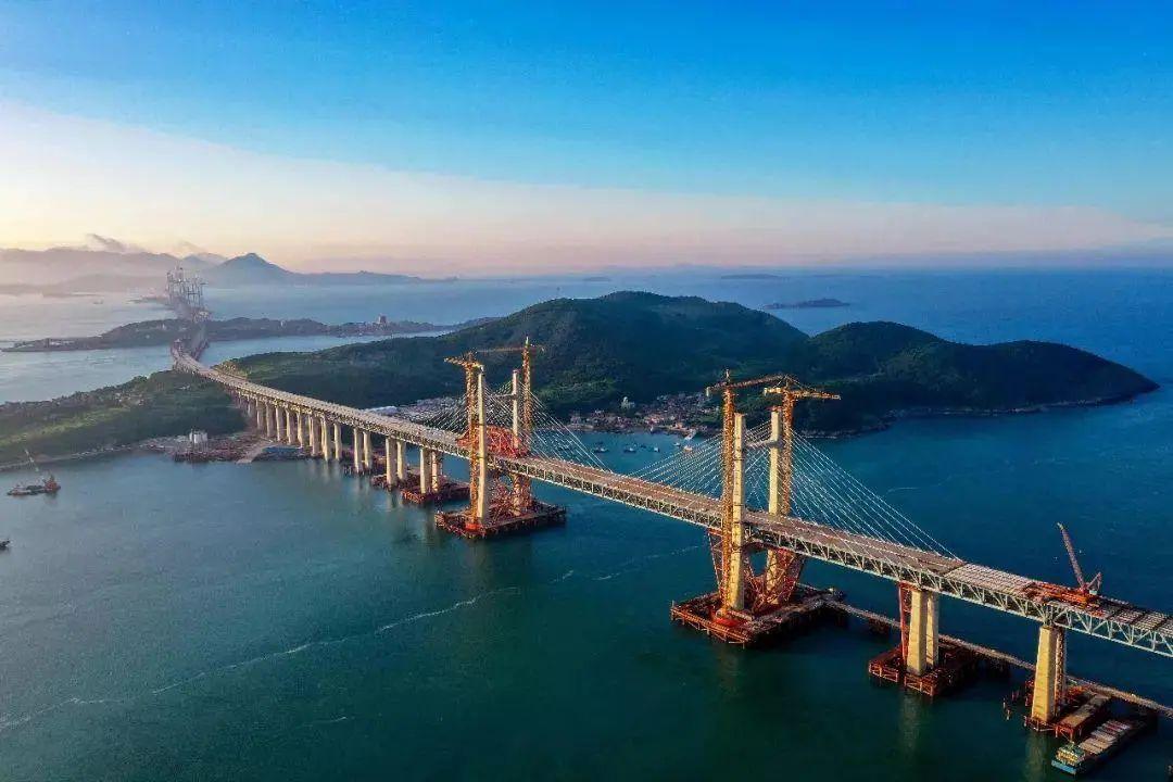 图6 平潭海峡公铁大桥 来源:中铁大桥局集团