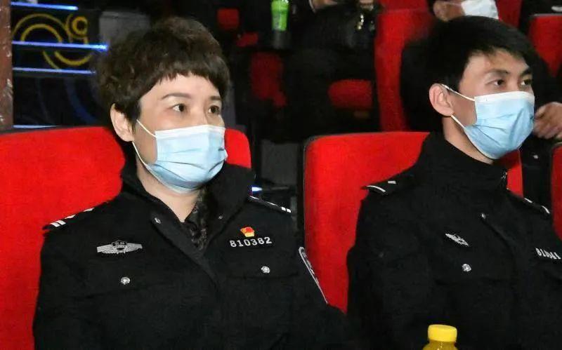 洮北分局组织民警观看《平安中国之守护者》影