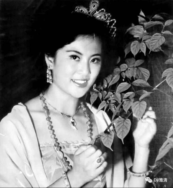 老照片欣赏:18位80年代昙花一现的美女明星个个花容月貌其中两位已去世插图30