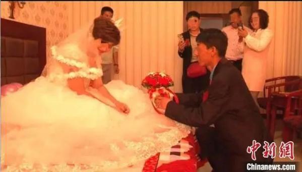 图为娜娜与尹成结婚现场。警方供图