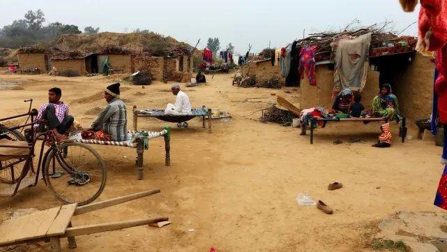 印度很多村庄并没有覆盖移动网络