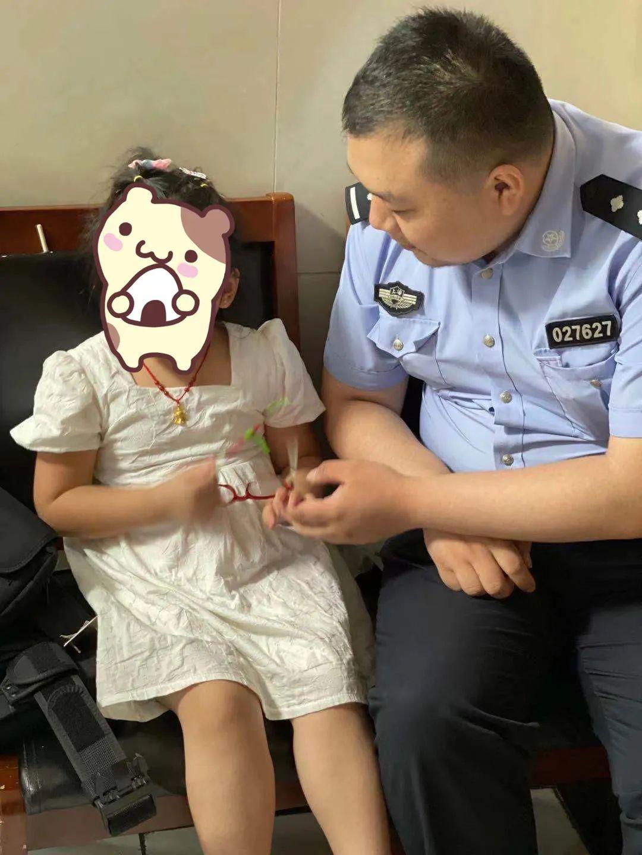 """【上海公安大调研】""""百居百群""""掌上警务 探索社区警务新模式"""