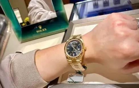 价值40万劳力士手表被掉包!义乌一男子报警......