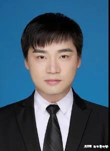 沈成龙,博士研究生,2017年于郑州大学取得硕士学位,主要从事化学碳纳米材料的制备与应用的研究。