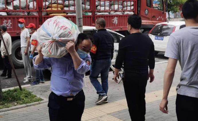 武汉出租车司机当志愿者被确诊新冠,今天首日营运