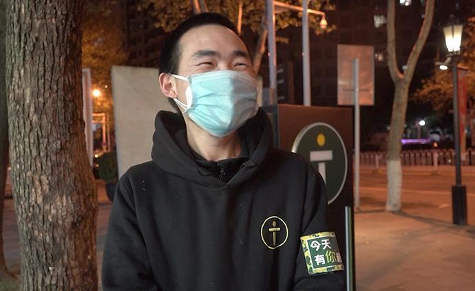 武汉解封后的日常 | 便利店单身小哥:我就想找女朋友