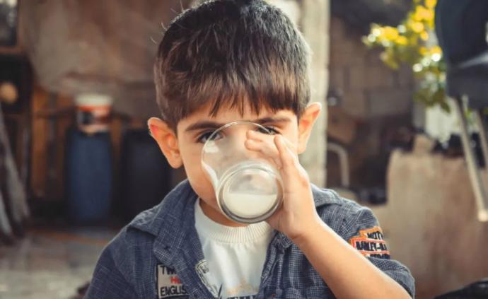 《隐秘的角落》|妈妈给热的牛奶,你喝还是不喝?