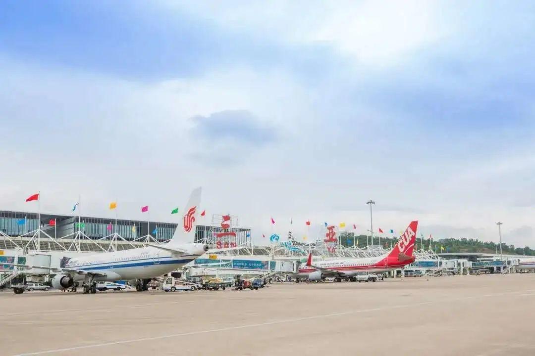 三亚机场出港航班量恢复至去年同期八成以上!新能源汽车在机场停车可享优惠_政务_澎湃新闻-ThePaper
