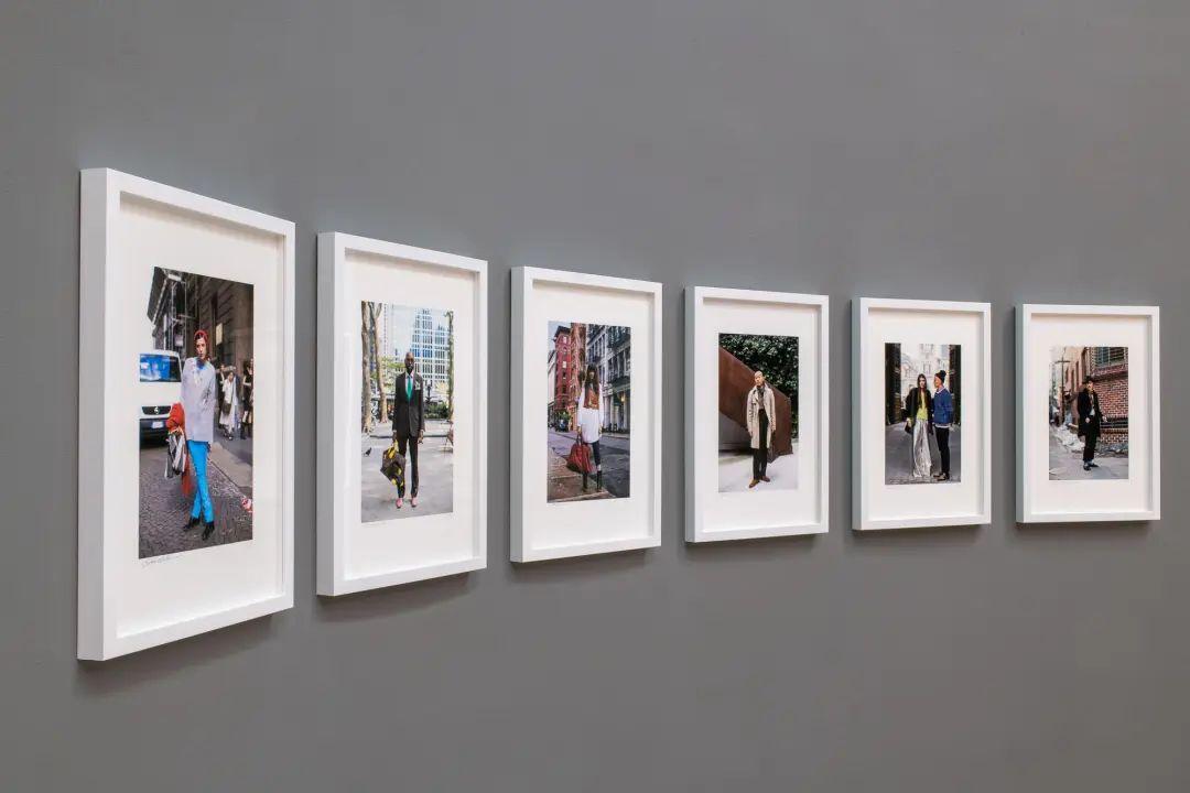 《后时尚时代》席卷了48位全球最负盛名摄影师的近百幅作品