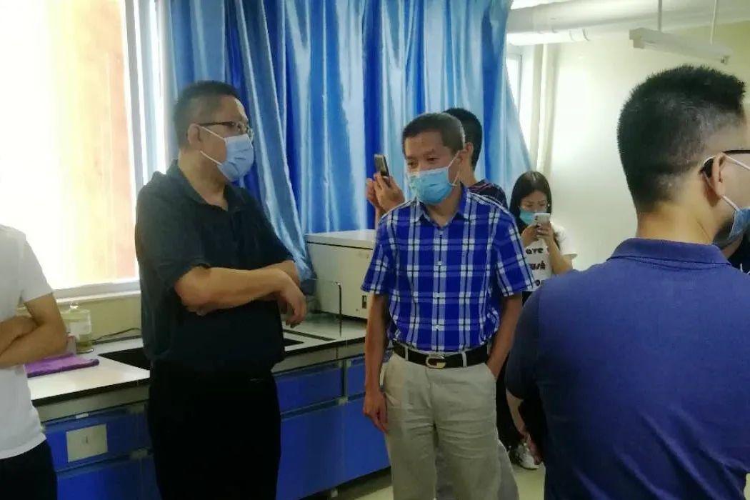 参观呼吸专科咳嗽实验室