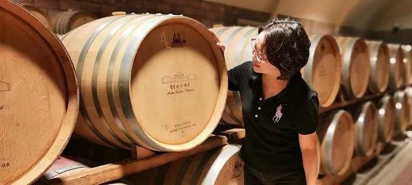 """直播首秀销售62.5万!中国第一个国际葡萄酒大奖""""加贝兰""""再引瞩目!"""