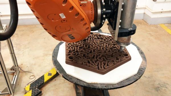 团队运用3D粘土打印技术,将一般赤陶土打印出128块直径为600mm的礁石。(图片鸣谢: Christian J. Lange)